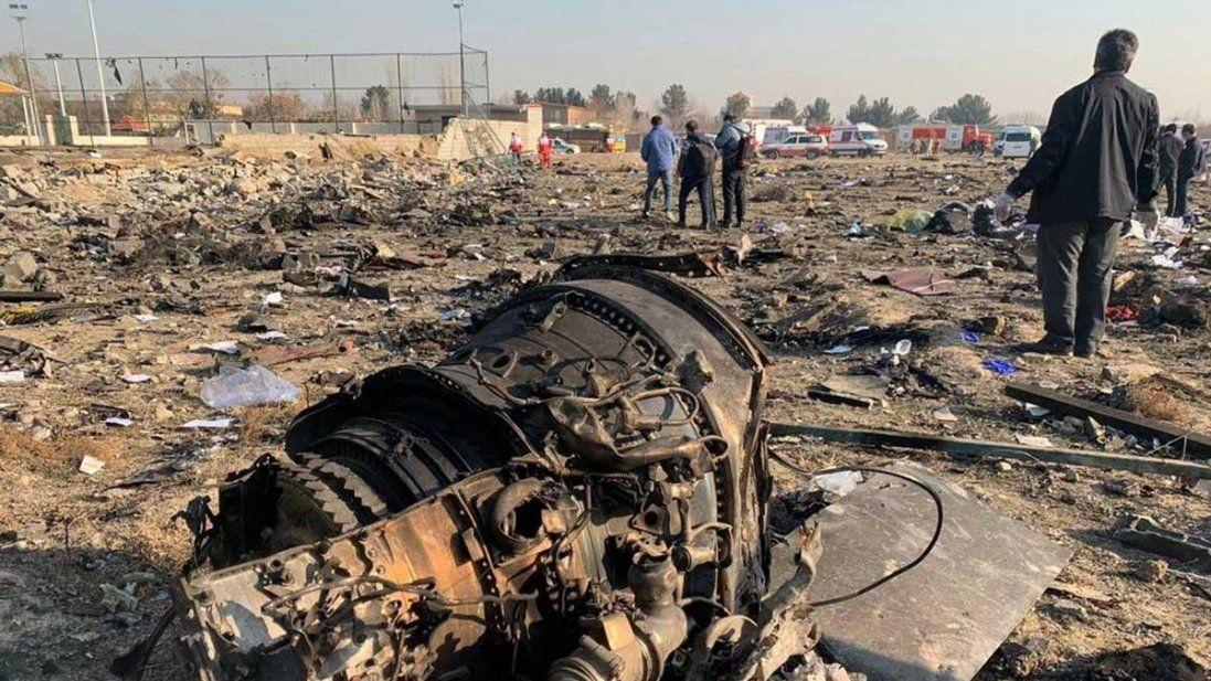 Опублікували відео падіння літака МАУ в Ірані