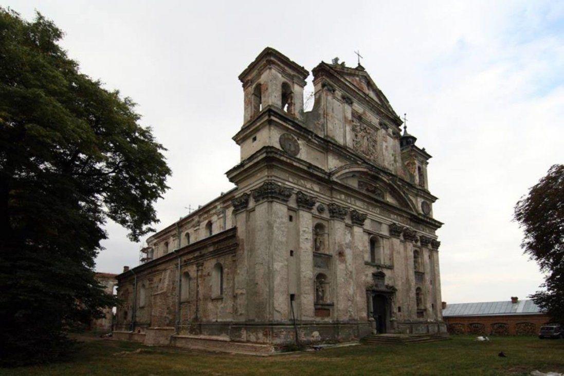 Показали, як змінився костел в Олиці після реставрації (фото)