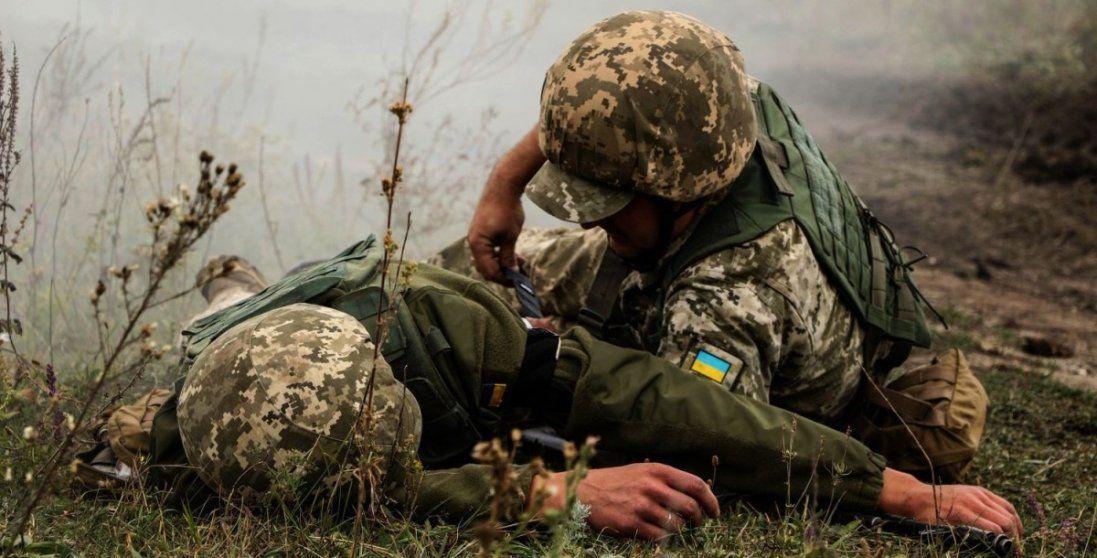 На Донбасі загинув український військовий, ще одного – поранили