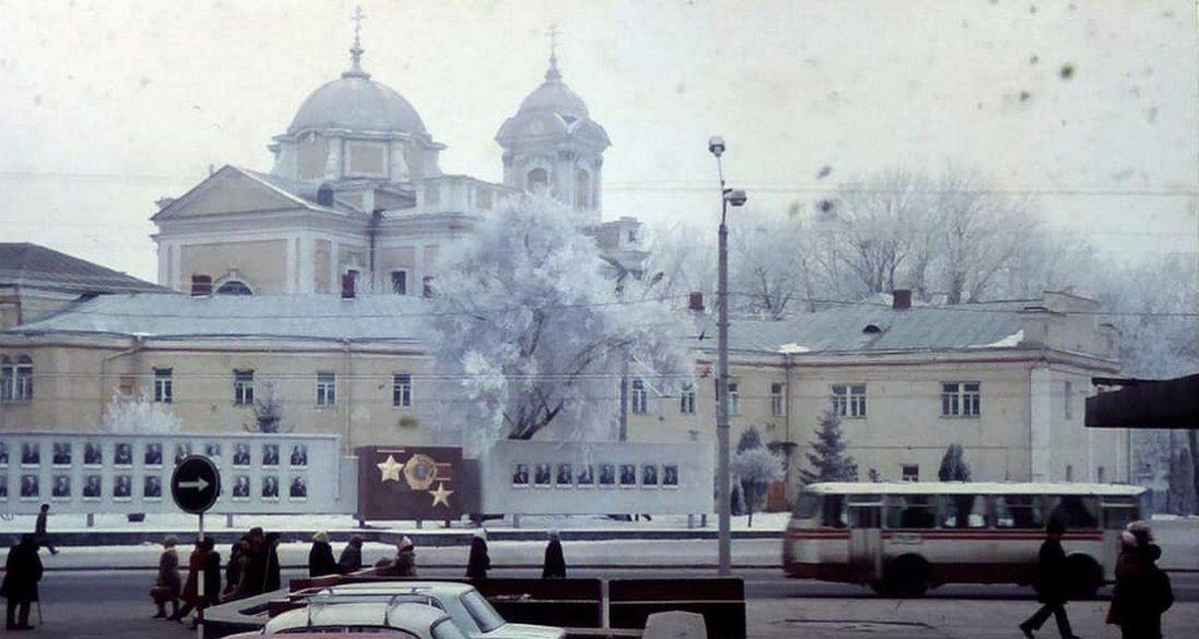 Новорічний Луцьк на фото 1980 року