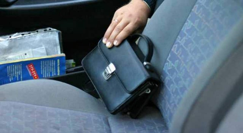 У Києві в чоловіка з авто вкрали $60 тисяч