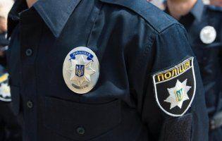 Біля Києва чоловік викруткою продірявив щоку поліцейському