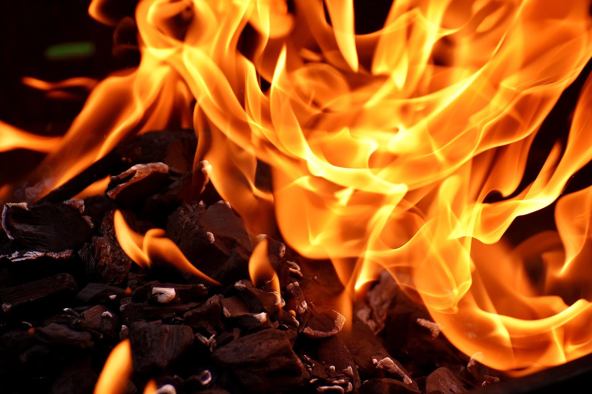 Кому належало авто, яке згоріло біля Луцька