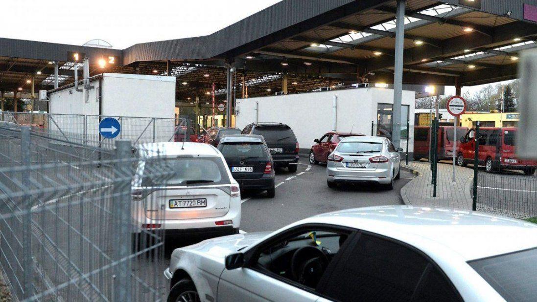 Черги на кордонах із країнами ЄС: через які пункти пропуску можна «проскочити»