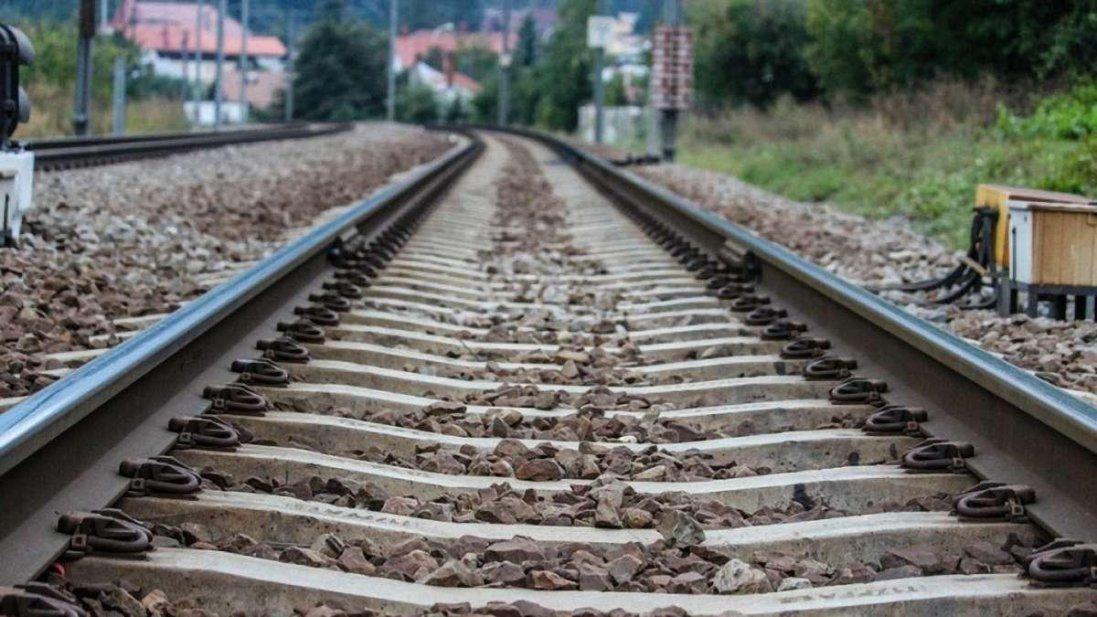 На Рівненщині потяг переїхав дідуся (фото)