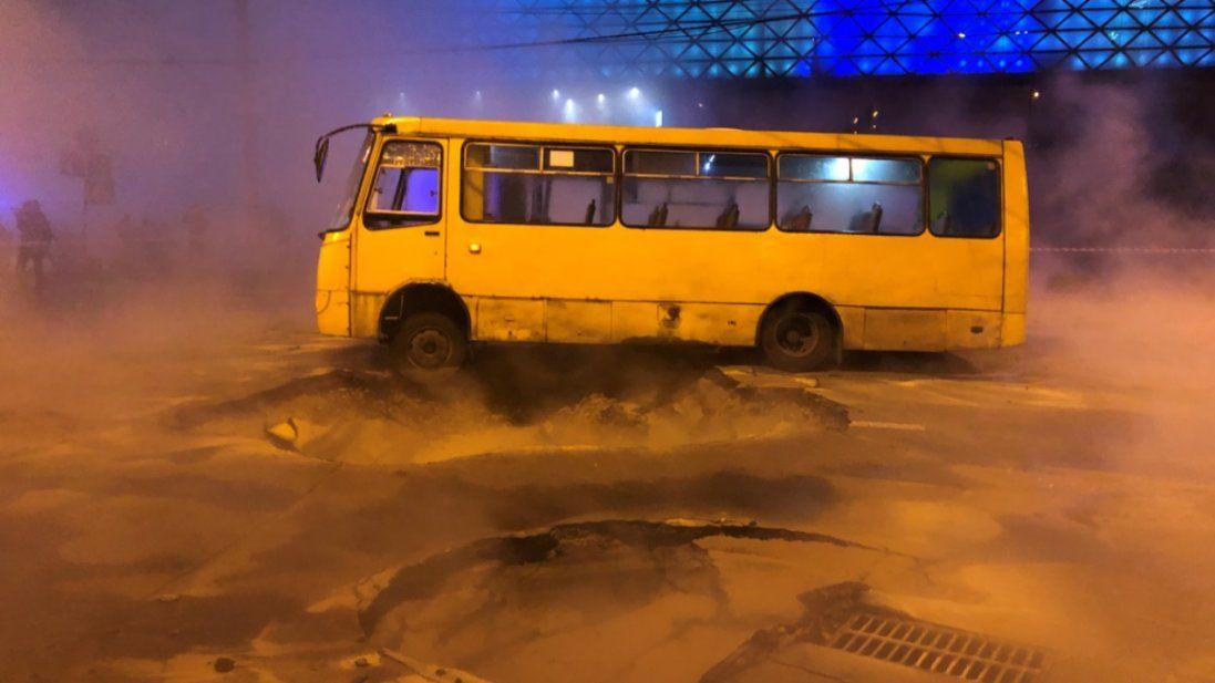 Потоп у київській Ocean Plaza: ліквідовують наслідки масштабної аварії (фото, відео)
