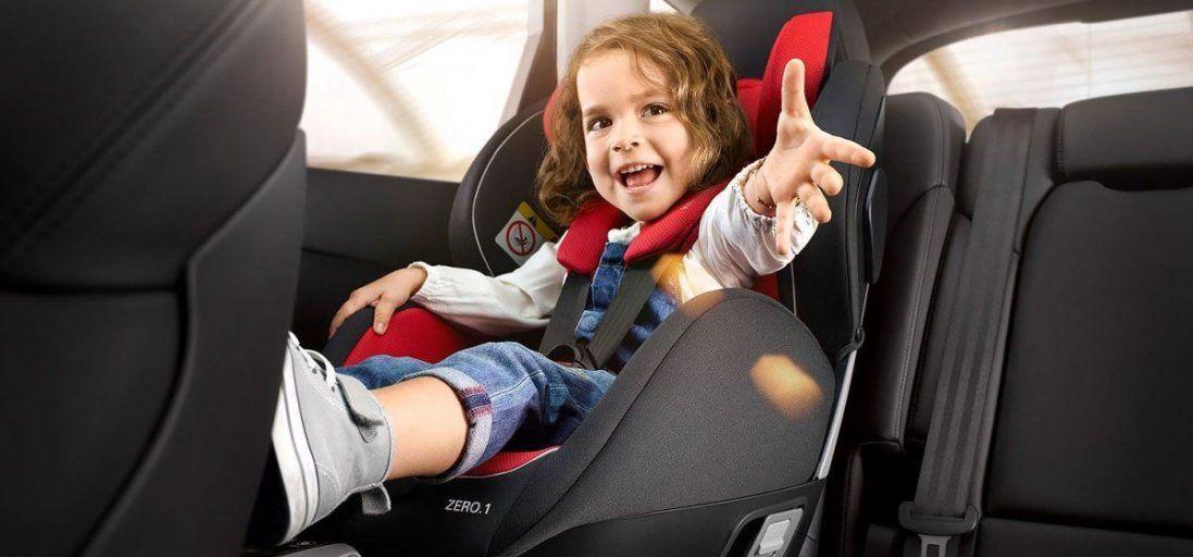 Як у Луцьку таксисти виконують вимогу закону про дитячі автокрісла