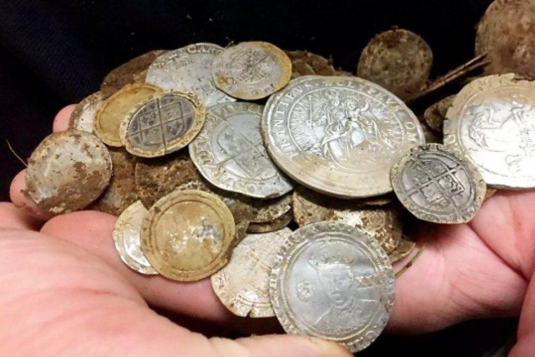Лучанин незаконно переправляв старовинні монети за кордон