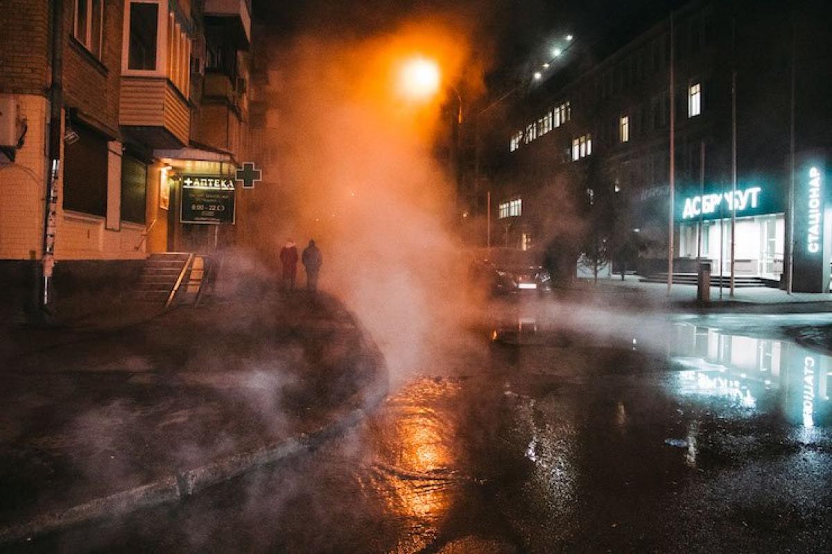У Києві до опівночі хочуть відновити рух по вулиці поблизу Ocean Plaza