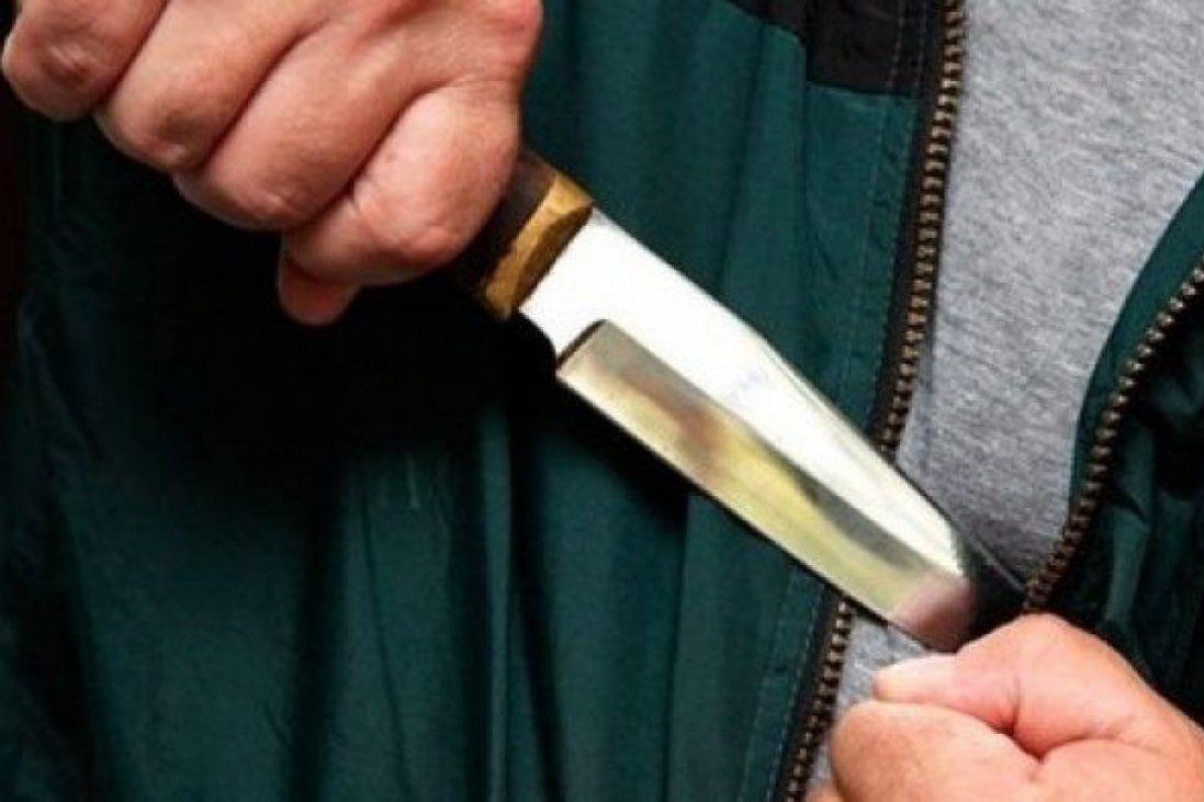 Біля Києва грабіжники штрикнули ножем хлопця (фото)