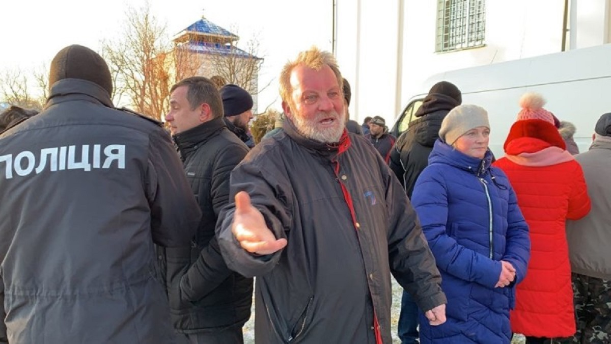 Волинський священник, який стріляв у активістів, проник у дзвіницю храму і зламав собі ногу (відео)