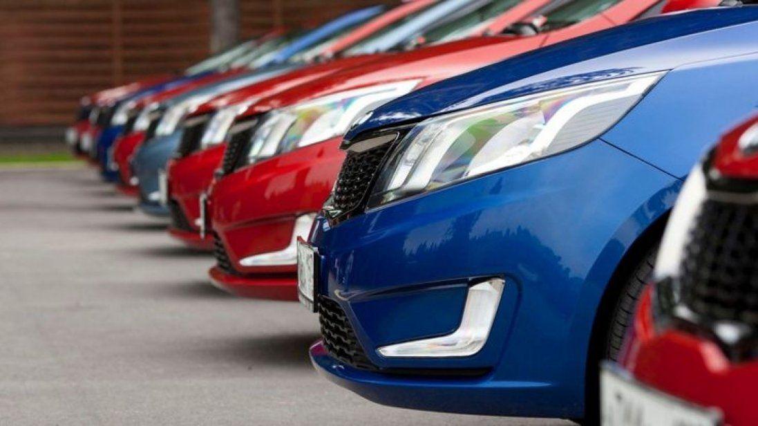 Новий податок на авто: що чекати українцям