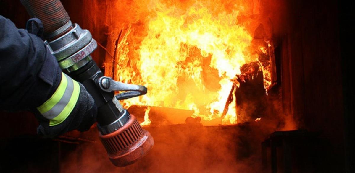 У Дніпрі загорівся гуртожиток коледжу (відео)