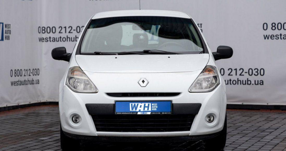 У Луцьку вигідно продають компактний Renault Clio (фото)