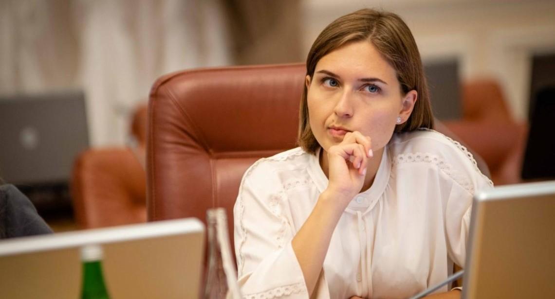 На зарплату в 36 000 гривень я не зможу утримувати дитину, — скандальна заява міністерки освіти Ганни Новосад
