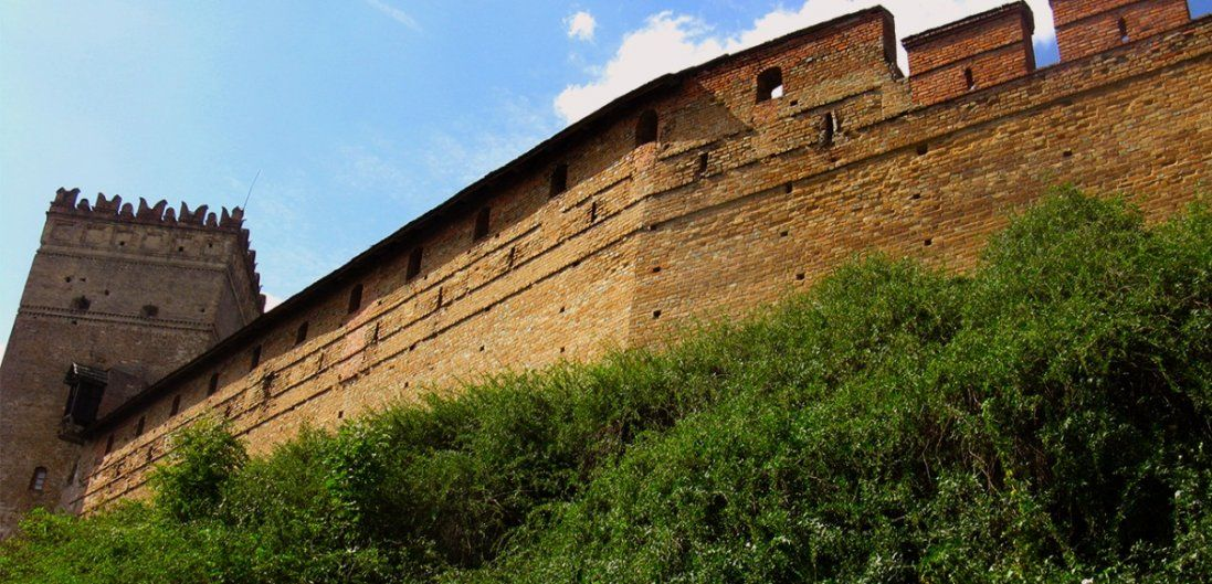 У Луцьку оголосили конкурс, щоб облагородити території біля замку