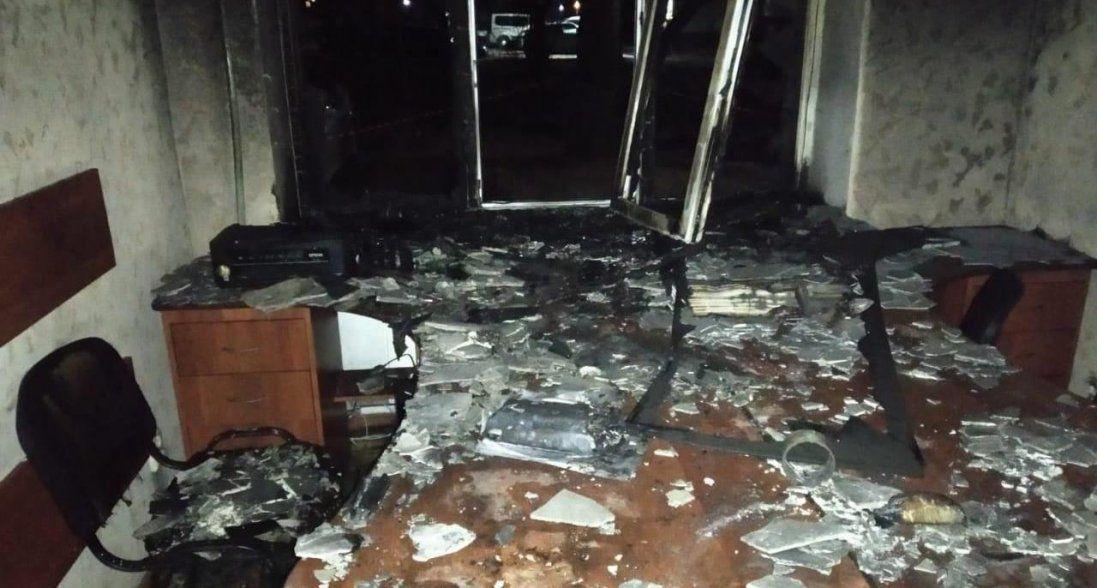 Спалили вщент офіс партії Шарія (фото, відео)