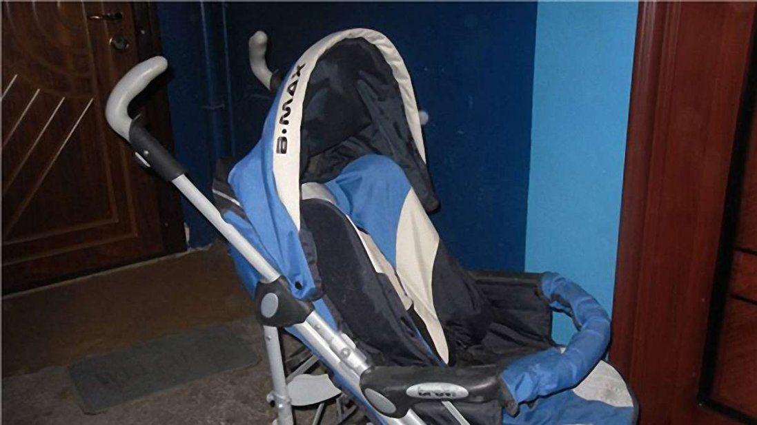 П'яні батьки у Луцьку на пів дня залишили дитину у візочку на вулиці