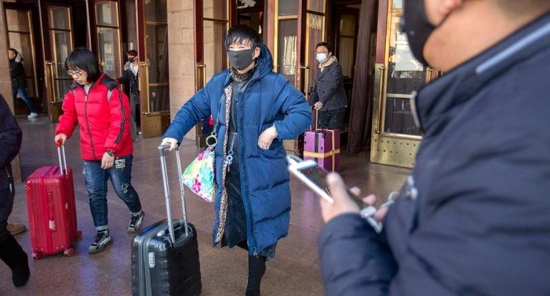У Китаї через смертельну пневмонію закрили друге місто