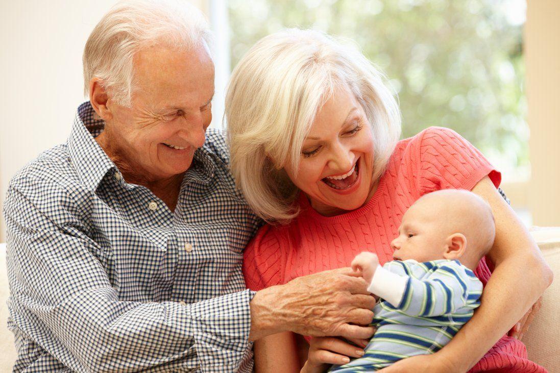 Всиновили дитину і дізналися: це рідний онук