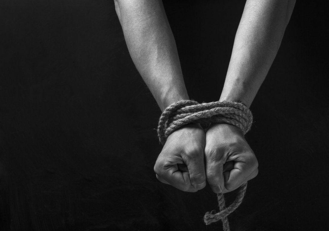 У Маріуполі людей тримали в трудовому рабстві (фото)