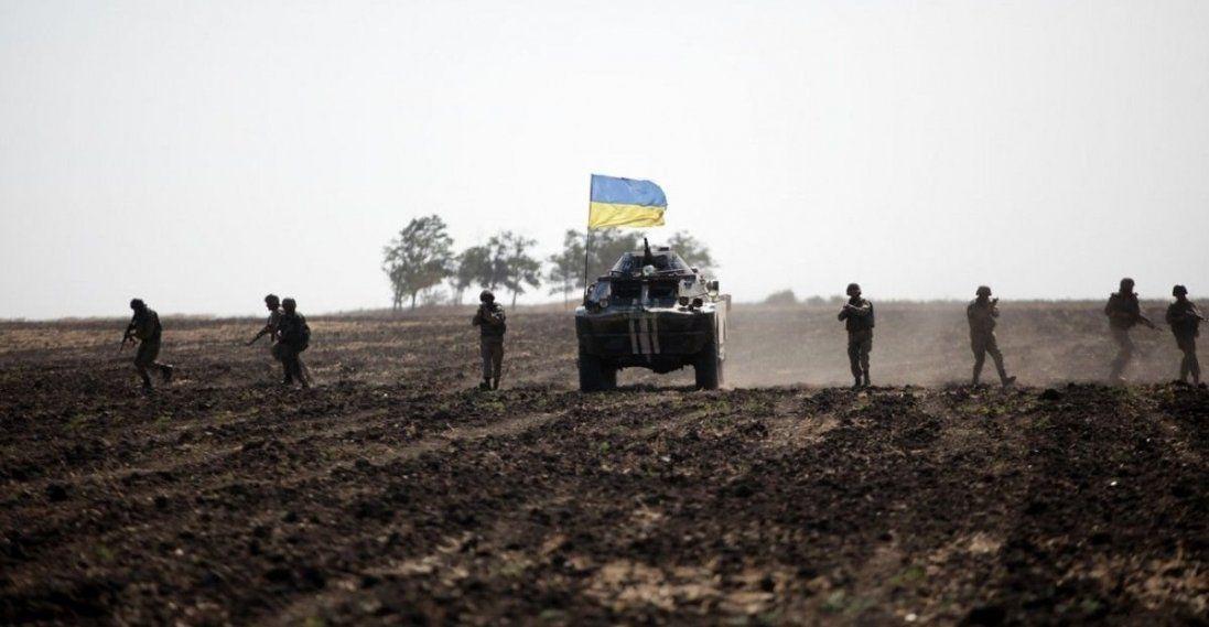 Назвали три можливих точки розведення військ на Донбасі