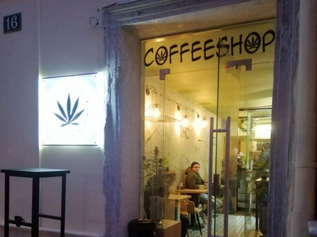 У Львові відкрили канабіс-кафе: що в меню першого в Україні такого закладу (фото)