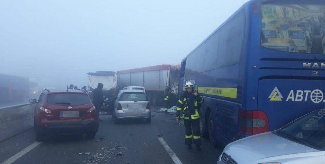 На Одещині зіткнулися 11 авто: є загиблий та потерпілі (фото, відео)