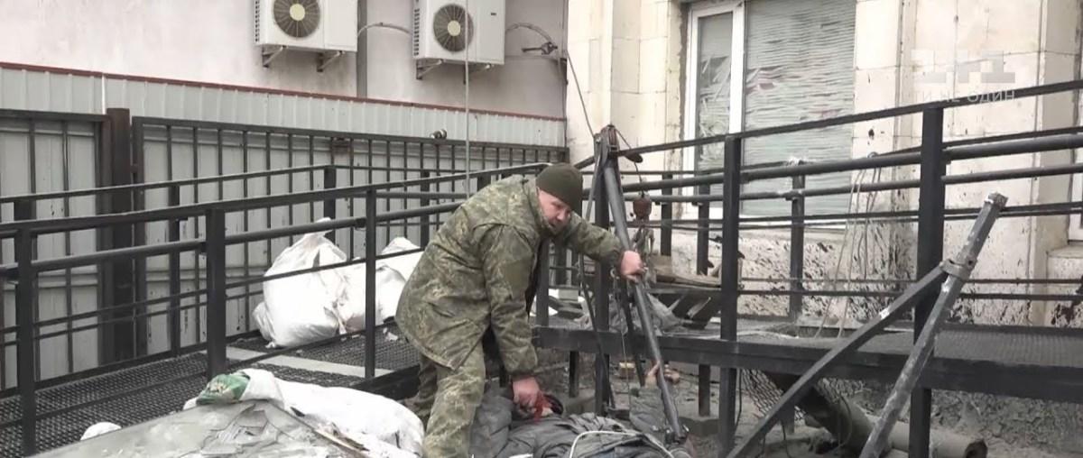 У Кропивницькому чоловік вижив після падіння з дев'ятого поверху