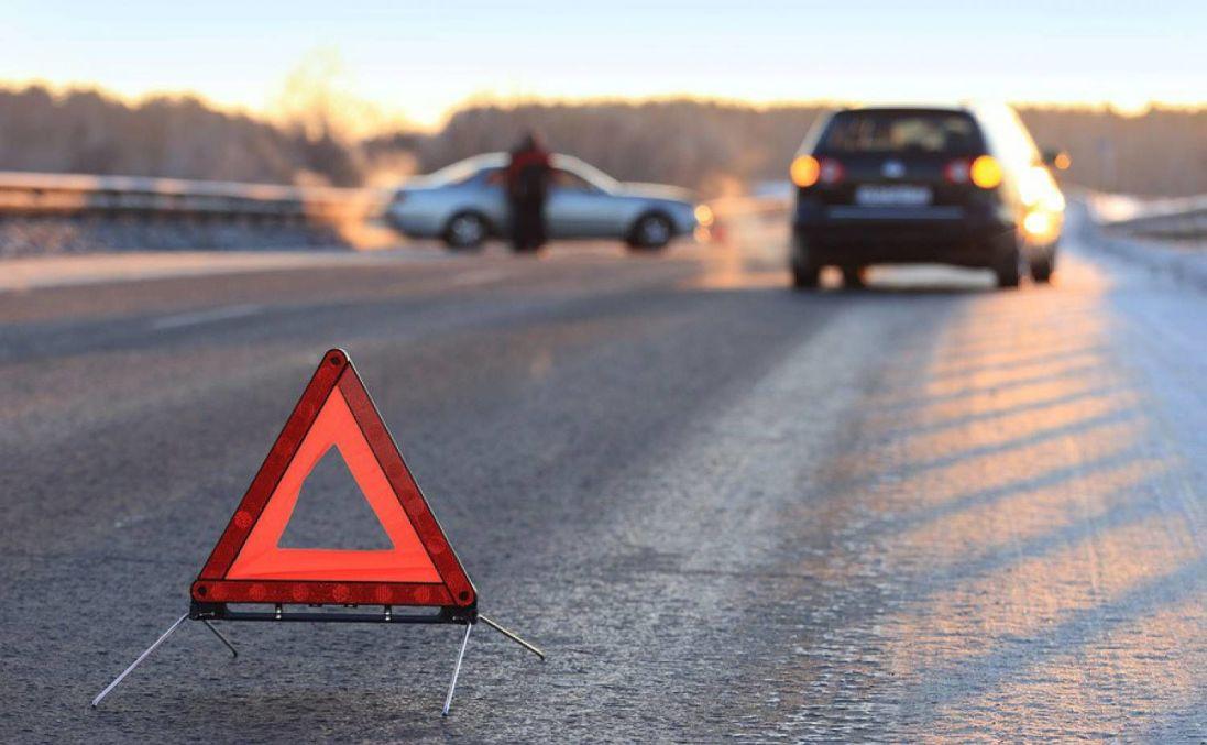 На трасі «Київ-Чоп» - страшна аварія: є постраждала (фото)