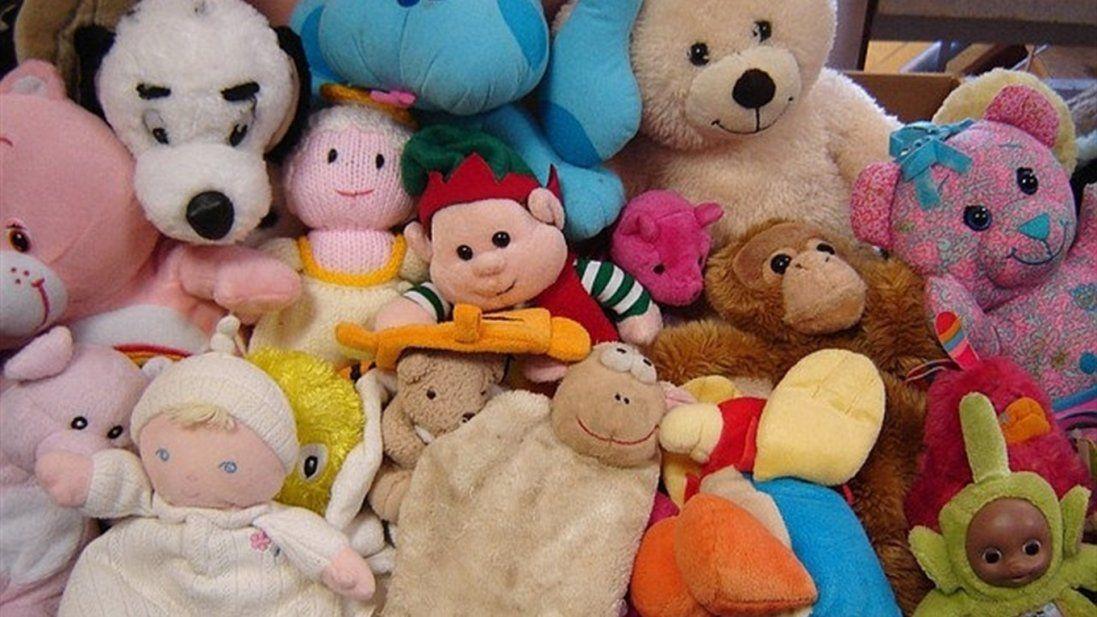 В Україні 23 тонни іграшок зі складу митників передадуть дітям (фото)