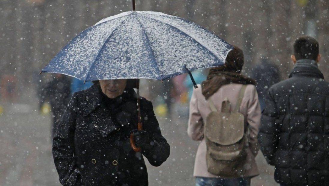 В Україні – мокрий сніг, місцями – хуртовини