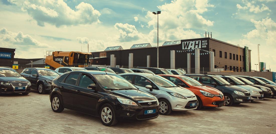 У волинській автокомпанії — нові приголомшливі ціни на 15 автомобілів (фото)
