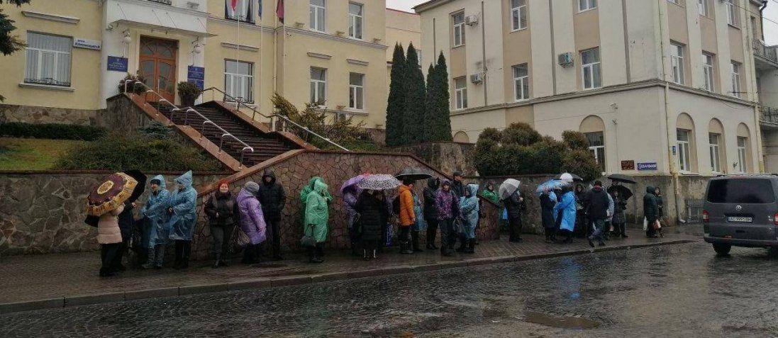 У Луцьку протестують підприємці (фото, відео)