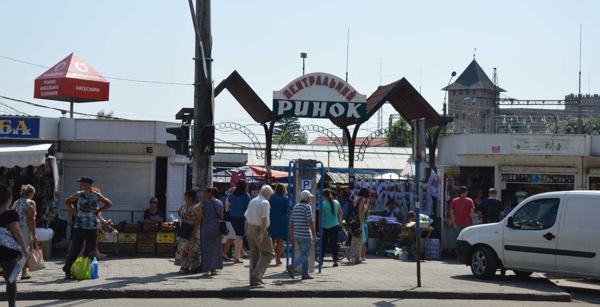 Деякі підприємці вже переїхали зі Старого ринку на Новий (фото, відео)