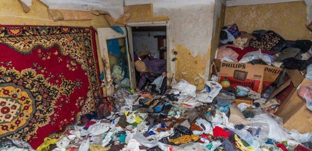 Лучанин перетворив власну квартиру на сміттєзвалище (фото)