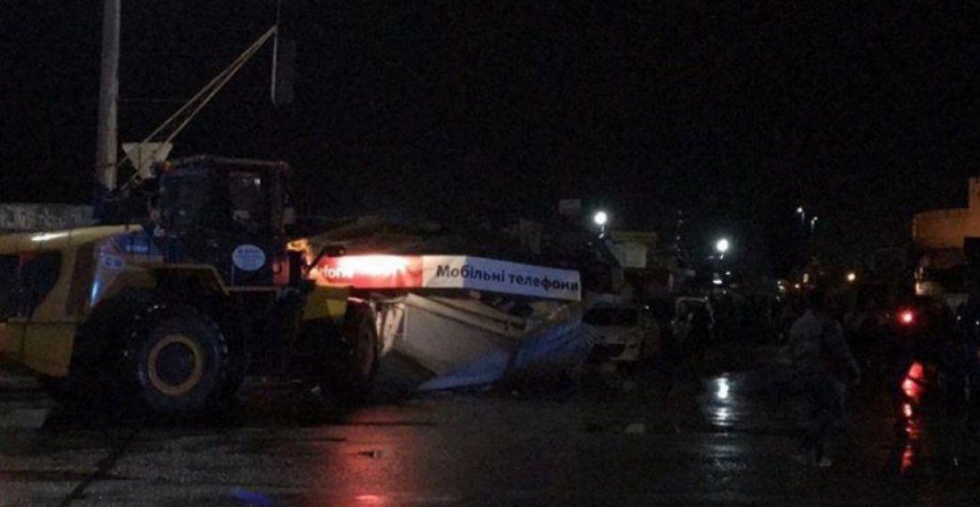 Поліція повідомила про постраждалих під час нічного демонтажу «Центрального ринку» в Луцьку