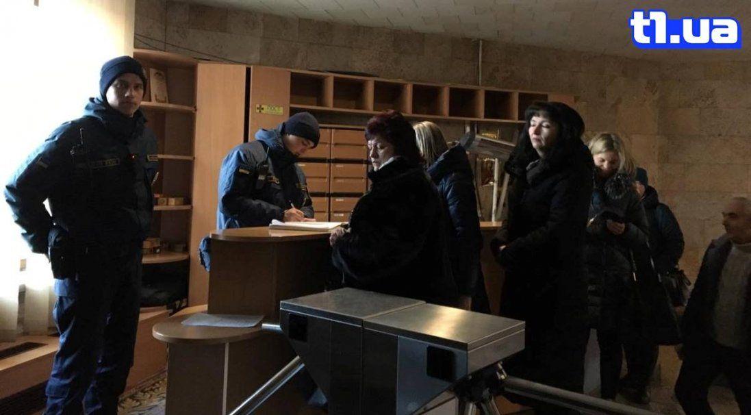 Підприємці з «Центрального ринку» Луцька прийшли в облдержадміністрацію (фото)