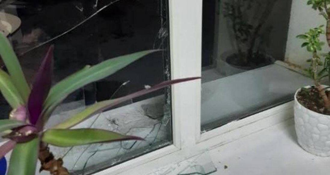 Поліція з'ясовує, хто побив вікна луцьким муніципалам