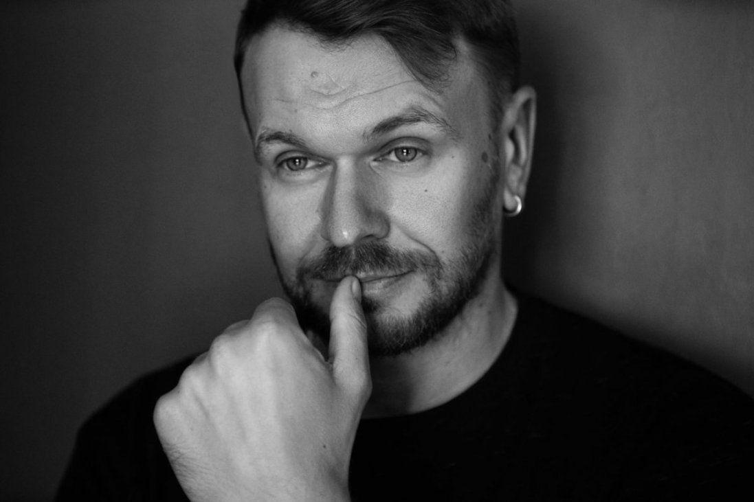 Чому співака з Луцька Положинського мучить почуття провини (відео)