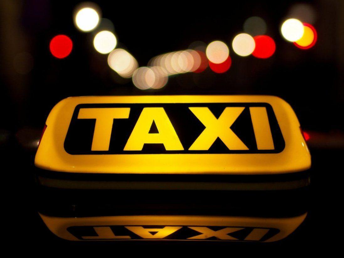 В Дніпрі таксисти знущалися над пасажиром: шокуюче відео