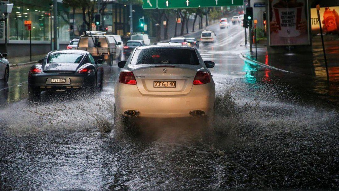 Багатостраждальну Австралію заливають найпотужніші за останні 20 років дощі (відео)