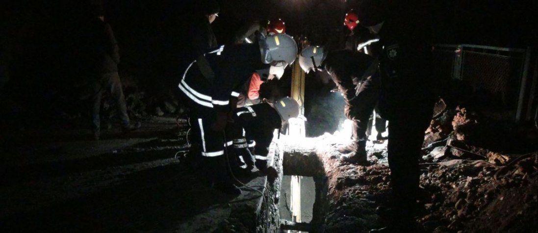 На Івано-Франківщині атовця засипало чотирма метрами землі