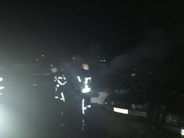 150 автомобілів вдалось врятувати / Фото: Думська