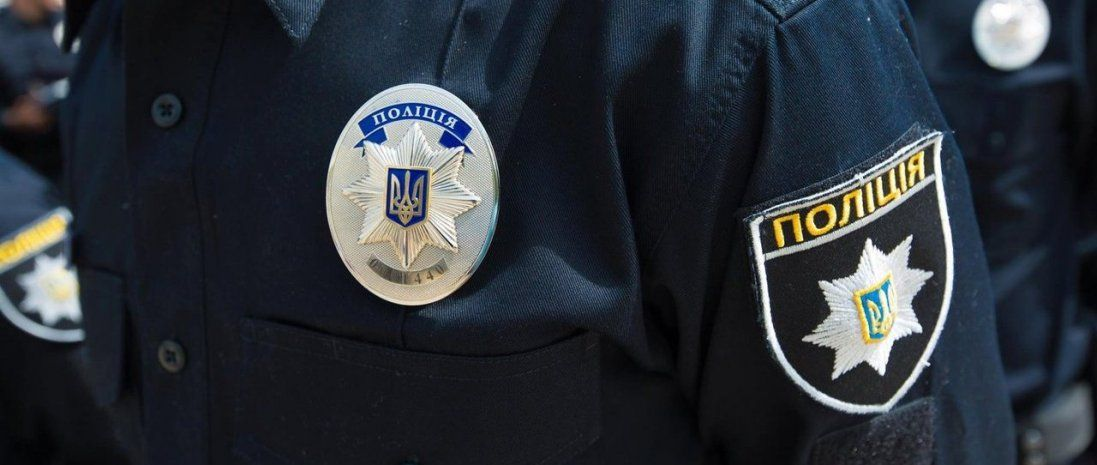 У Луцьку п'яний водій ледь не в'їхав у авто поліції (відео)
