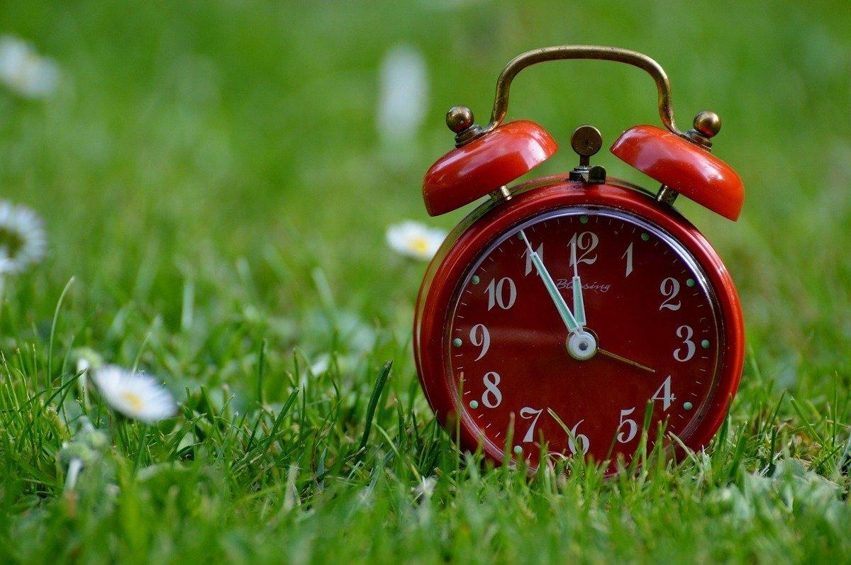 Коли Україна переводить годинники на літній час