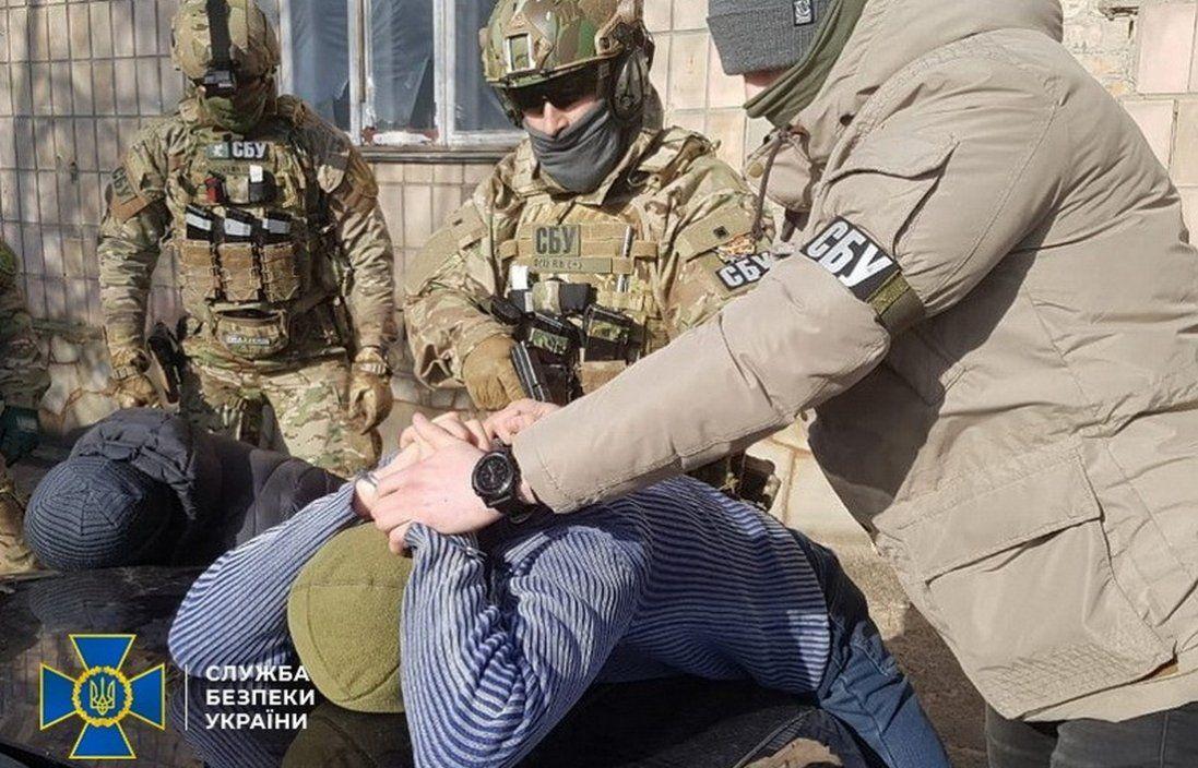 Дали «кілеру» гранатомет і дві гранати: гучне затримання в Рівному (фото, відео)