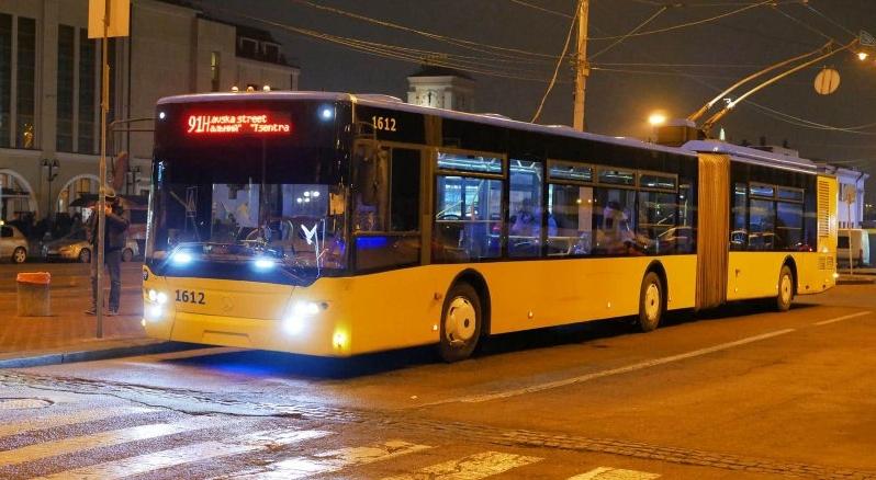 В Одесі горів тролейбус - пасажирів евакуювали (відео)