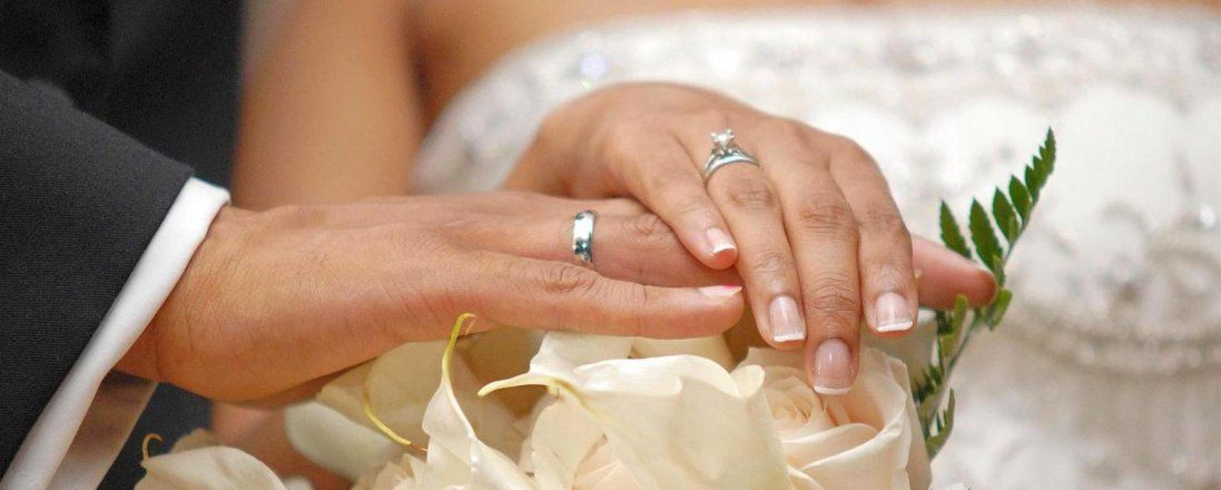 Які сюрпризи підготували лучанам, що одружуватимуться в День закоханих