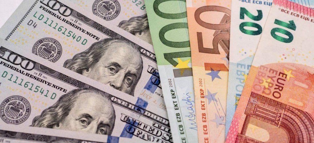 На «Ягодині» затримали українця з незадекларованими доларами і євро